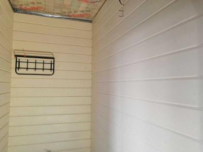 Шлифовка клеёного бруса в 1 проход, нанесение 2 слоев краски